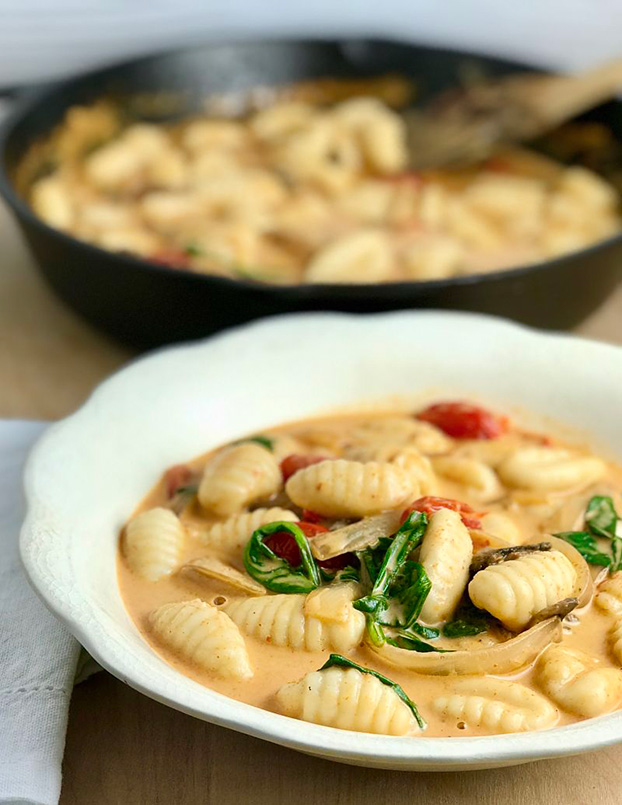 21 Vegetarian Curry Recipes - Red Thai Curry Gnocchi | hurrythefoodup.com