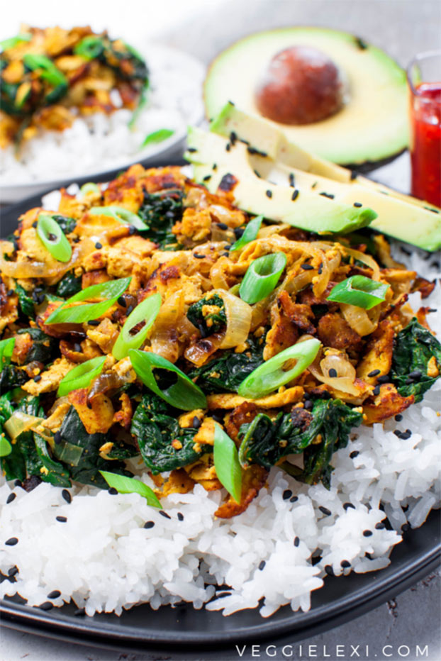21 Vegetarian Curry Recipes - Shredded Curry Tofu with Spinach | hurrythefoodup.com