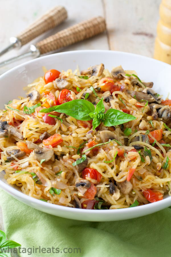 Top 10 Vegetarian Keto Recipes - Tomato Mushroom Spaghetti Squash | hurrythefoodup.com