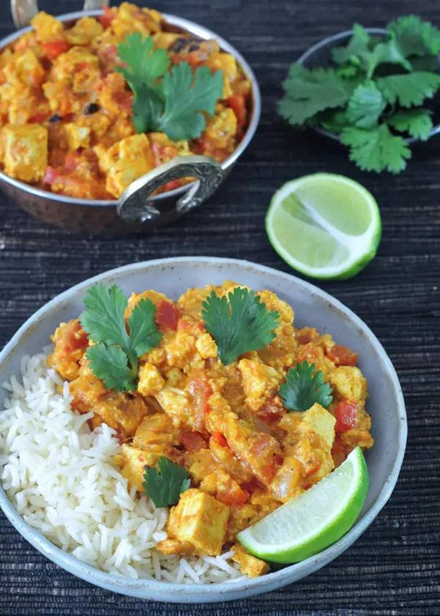 21 Vegetarian Curry Recipes - Tofu Paneer Tikka Masala | hurrythefoodup.com