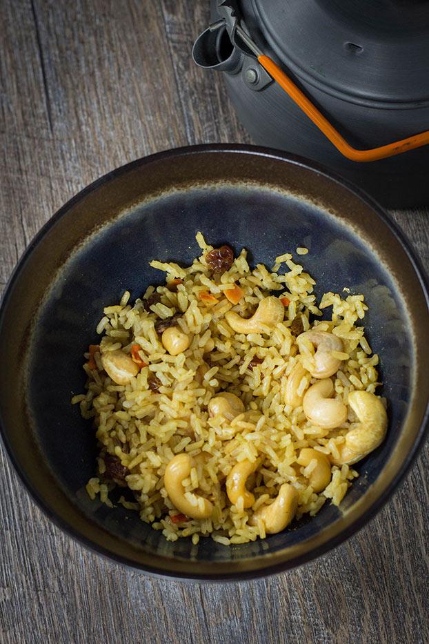 21 Vegetarian Curry Recipes - Vegan Backpacking Curry Rice | hurrythefoodup.com
