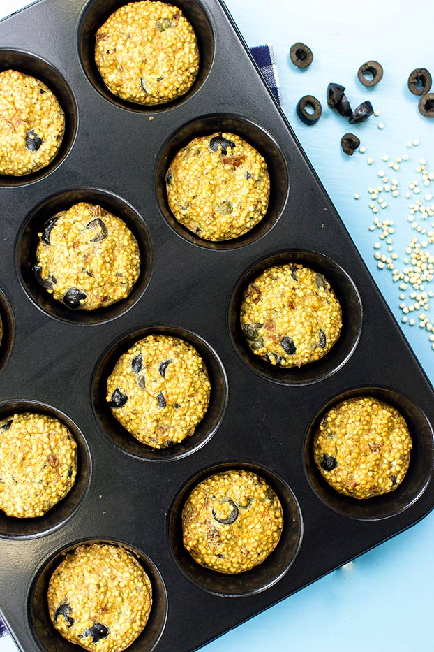 Fluffy Quinoa Egg Muffins – Perfect for Breakfast, Lunch or Dinner! – muffins in the slots #olives #capers | hurrythefoodup.com