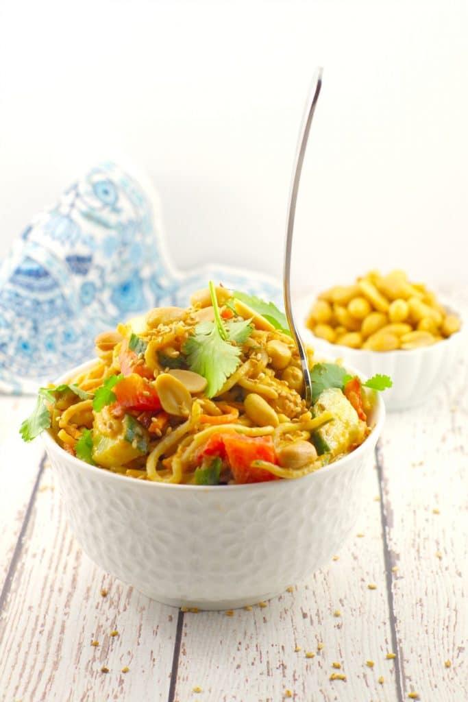 Spicy Peanut Pasta Salad | hurrythefoodup.com