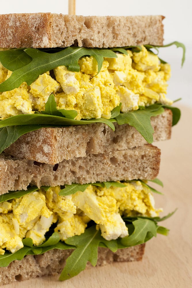 Healthy Vegan Egg Salad | hurrythefoodup.com