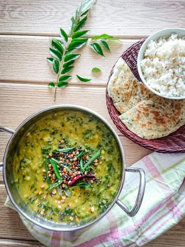 Lentil Curry (Dal) with Spinach | hurrythefoodup.com