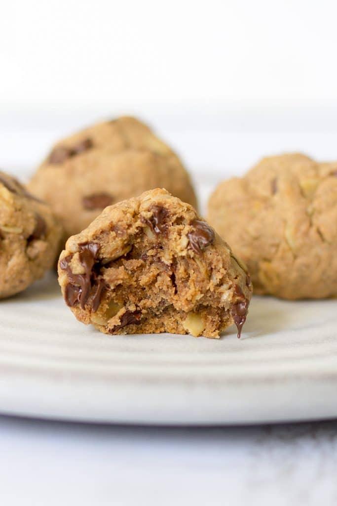 Vegan Protein Cookies | hurrythefoodup.com