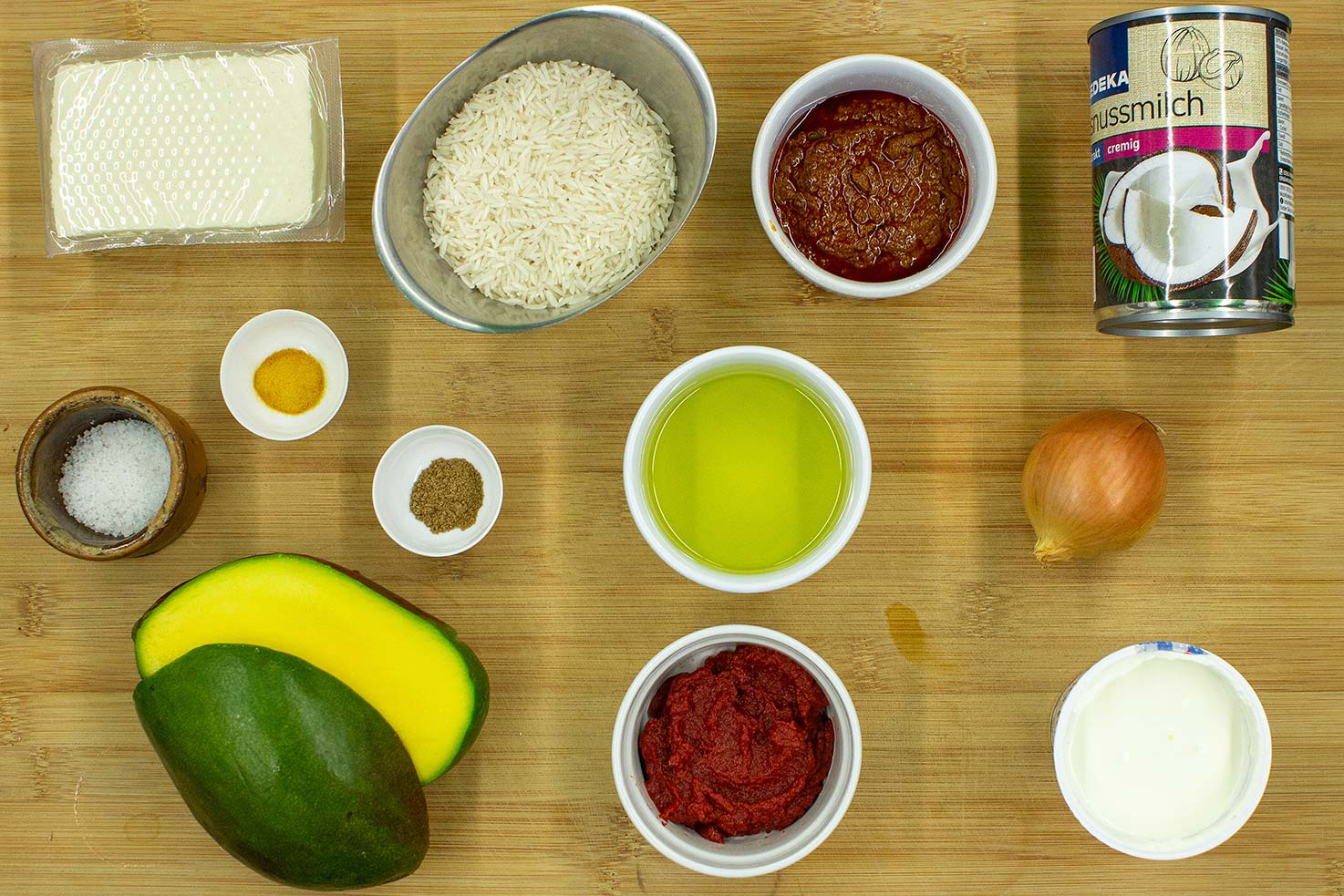 The recipe ingrediets #curry paste #tomato paste | hurrythefoodup.com