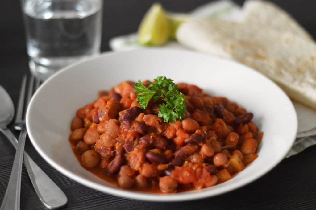 45 most popular vegan dinners – Mixed Bean Chilli | Hurry The Food Up