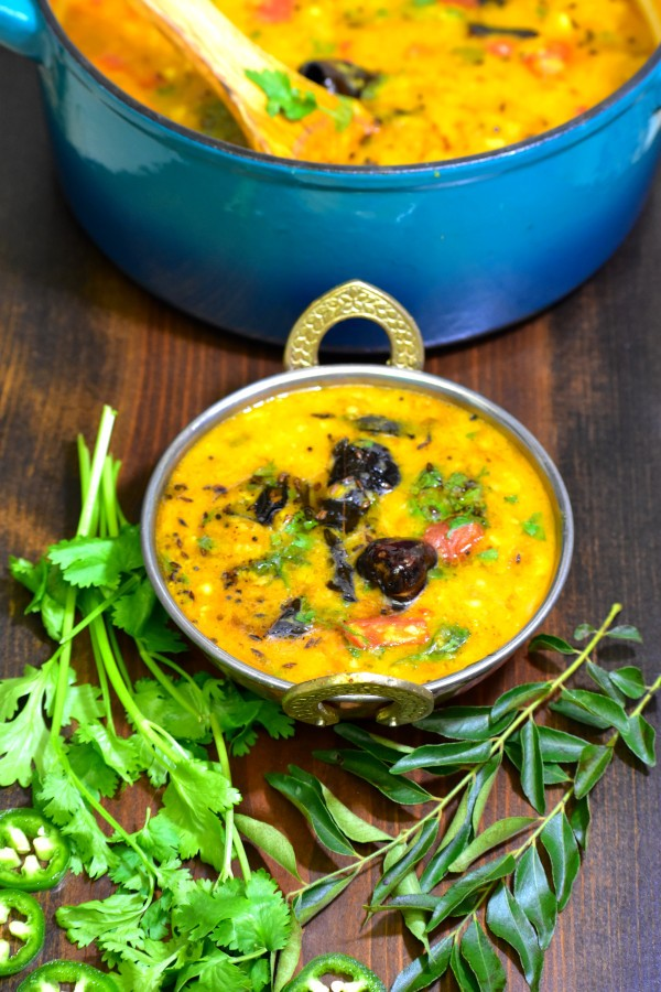 55 Vegetarian Indian Recipes – Dal Tadka (Yellow Indian Lentils) | Hurry The Food Up