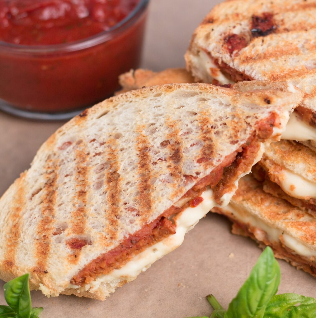 50 Easy Vegan Lunch Ideas – Making lunch vibrant, exciting and delicious – Vegan Pepperoni Pizza Panini | Hurry The Food Up