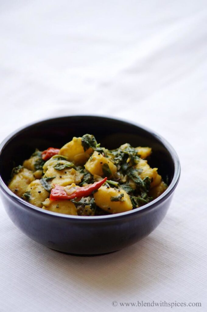 50 Vegan Indian Recipes – From comforting meals to showstopper desserts - Saag Aloo Recipe - Spinach and Potato Curry Recipe | Hurry The Food Up