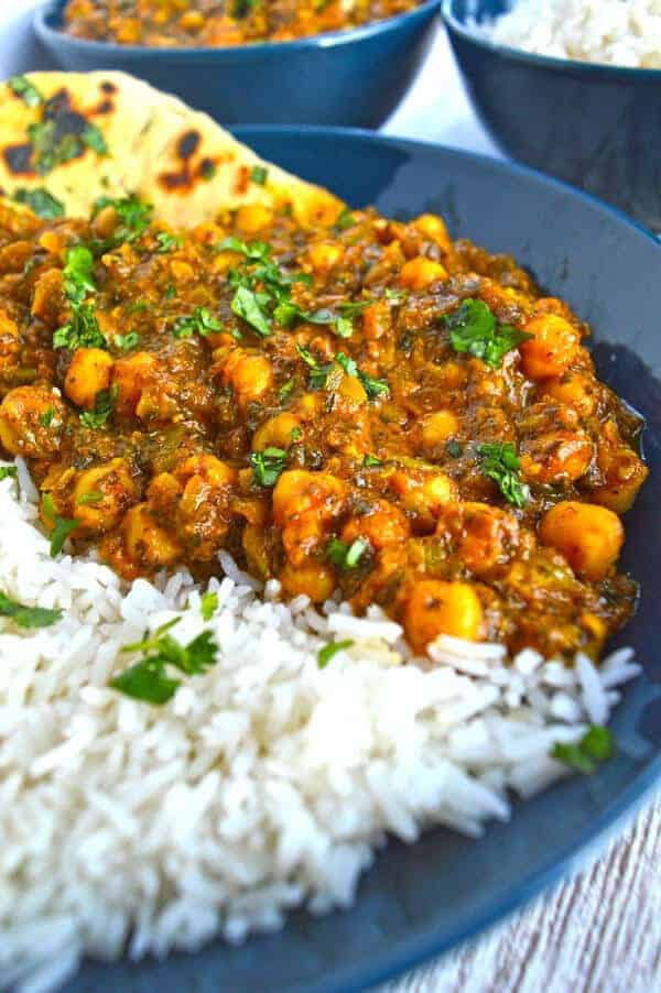 50 Vegan Indian Recipes – From comforting meals to showstopper desserts - Chickpea Spinach Curry (Chana Palak Masala) | Hurry The Food Up