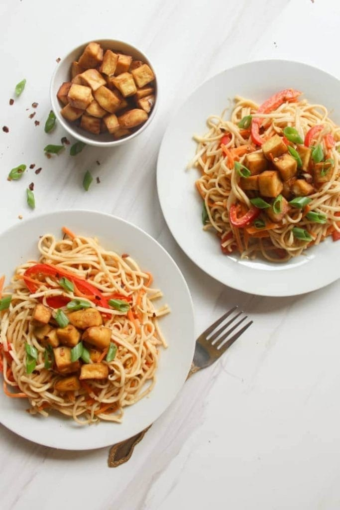 50 Easy Vegan Lunch Ideas – Making lunch vibrant, exciting and delicious – Vegan Peanut Noodles With Crispy Tofu | Hurry The Food Up