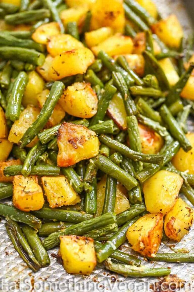 60 Vegan Weight Loss Recipes – Still delicious, just healthier - Potatoes and Green Beans | Hurry The Food Up