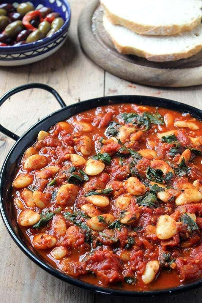 60 Vegan Weight Loss Recipes – Still delicious, just healthier - Spanish Beans with Tomatoes | Hurry The Food Up