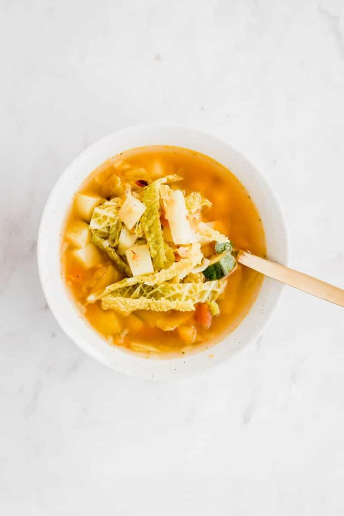 60 Vegan Weight Loss Recipes – Still delicious, just healthier - Homemade Vegetable Soup | Hurry The Food Up