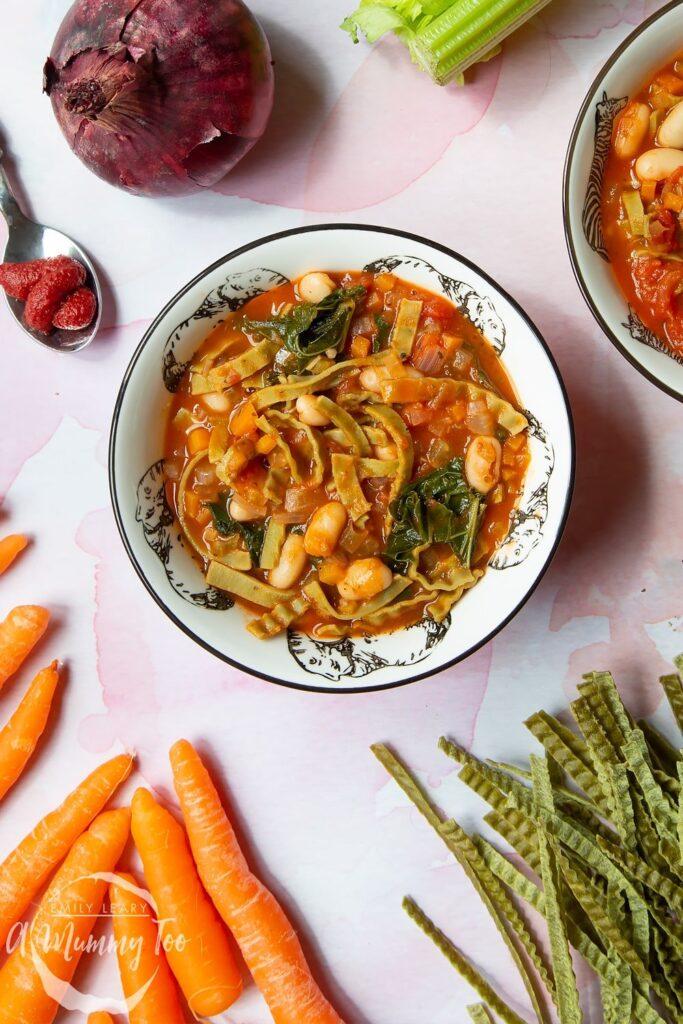 60 Vegan Weight Loss Recipes – Still delicious, just healthier - Vegan Pasta Soup (vegan pasta e fagioli) | Hurry The Food Up