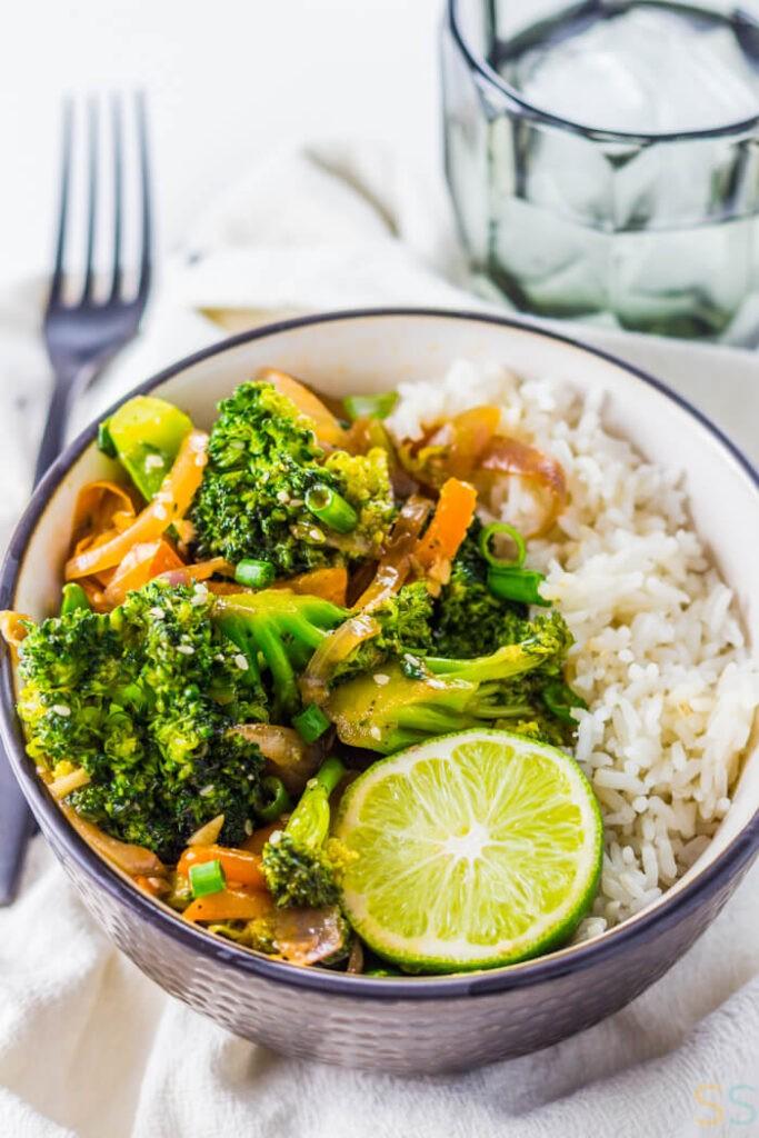 40 Vegan Broccoli Recipes – Plant-based plants - Broccoli Stir Fry | Hurry The Food Up