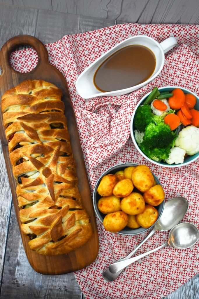 40 Sweet and Savory Vegetarian Pies – Bake your weekend away - Butternut, Red Pepper & Potato Puff Pastry Plait | Hurry The Food Up