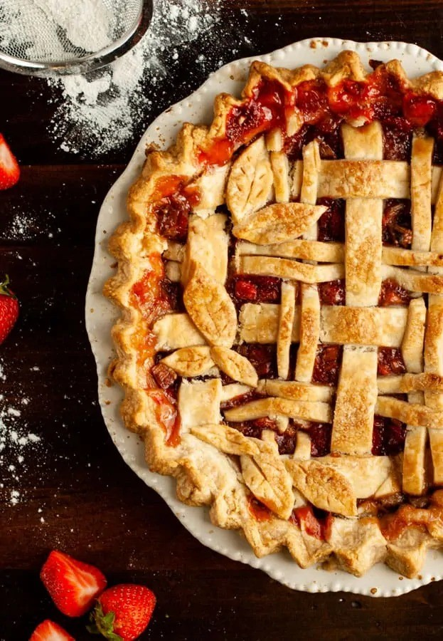 40 Sweet and Savory Vegetarian Pies – Bake your weekend away - Gluten Free Strawberry Rhubarb Pie | Hurry The Food Up