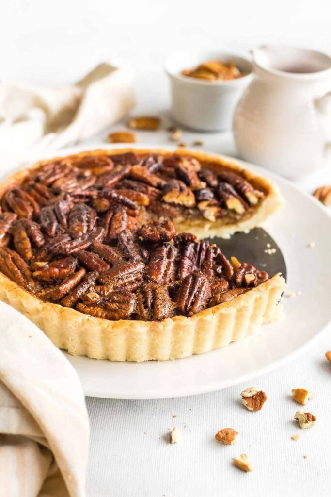 40 Sweet and Savory Vegetarian Pies – Bake your weekend away - Easy Pecan Pie | Hurry The Food Up