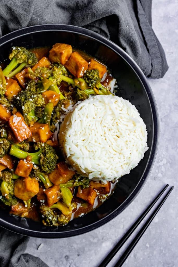 40 Vegan Broccoli Recipes – Plant-based plants - Vegan Beef and Broccoli | Hurry The Food Up