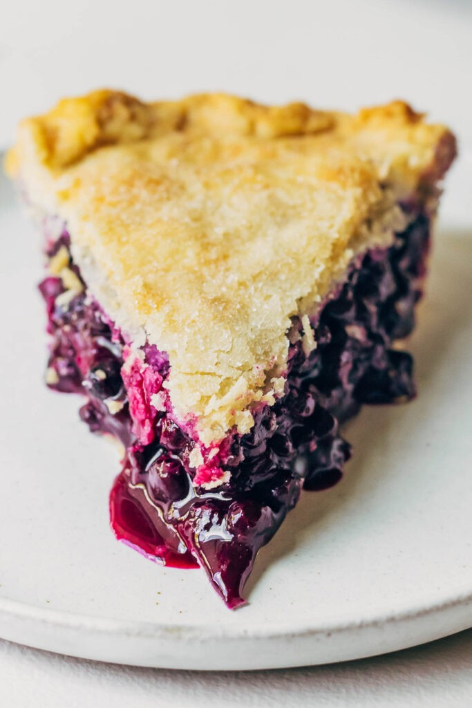 40 Sweet and Savory Vegetarian Pies – Bake your weekend away - Vegan Blueberry Pie | Hurry The Food Up