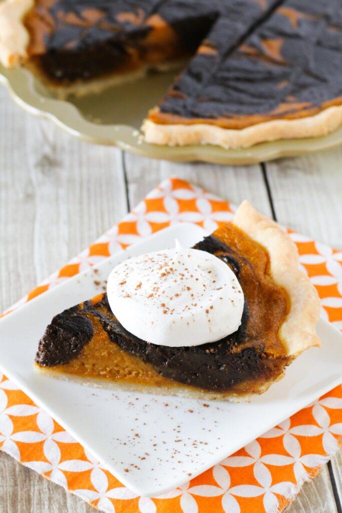 40 Sweet and Savory Vegetarian Pies – Bake your weekend away - Chocolate Swirled Vegan Gluten-Free Pumpkin Pie | Hurry The Food Up