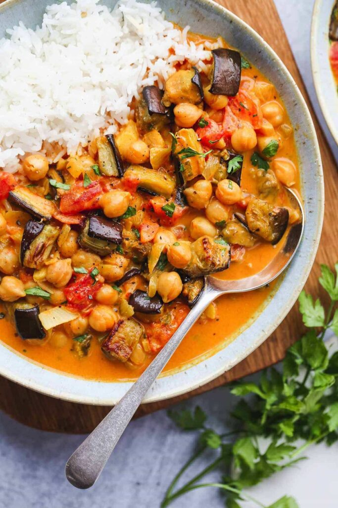 40 Vegan Eggplant Recipes - Aubergine and Chickpea Curry | Hurry The Food Up