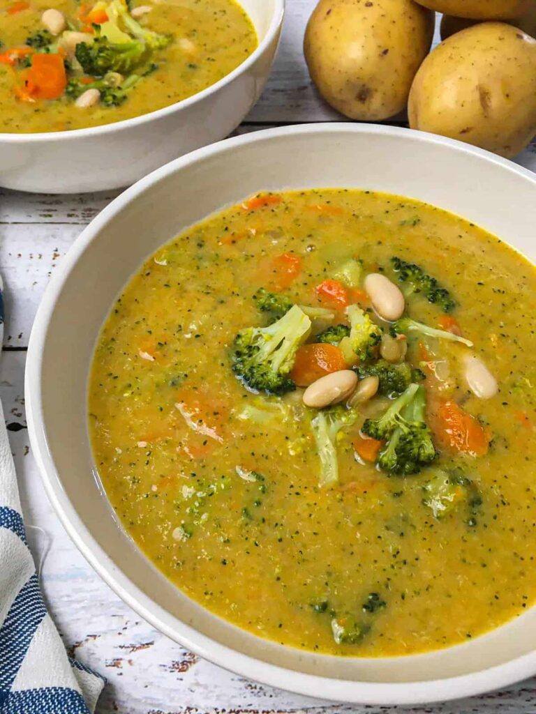 100 Gluten-free Vegetarian Recipes – Healthy Broccoli Potato Soup | Hurry The Food Up