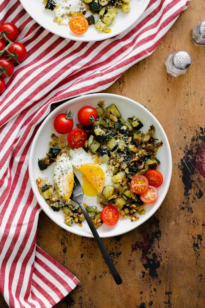 100 Gluten-free Vegetarian Recipes – Leek And Zucchini Egg Skillet   Hurry The Food Up
