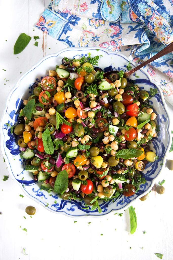 100 Gluten-Free Vegan Recipes - Mediterranean Chickpea Salad | Hurry The Food Up