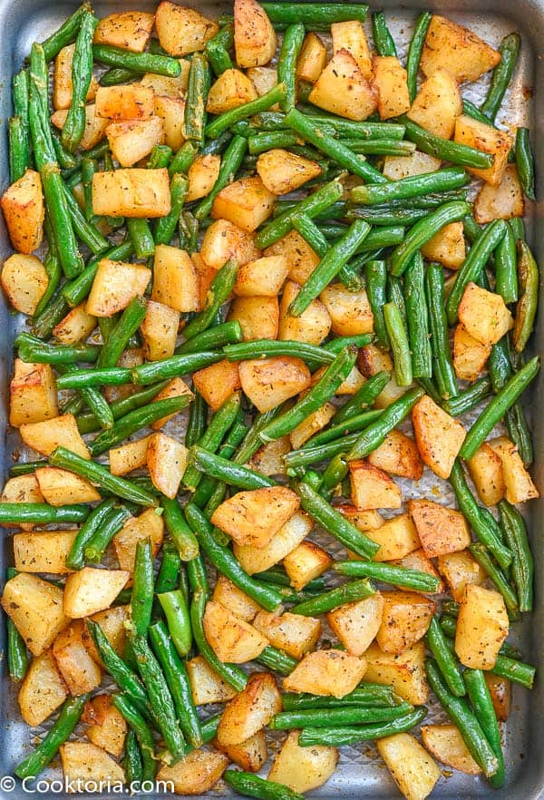 100 Gluten-Free Vegan Recipes - Roasted Green Beans and Potatoes | Hurry The Food Up