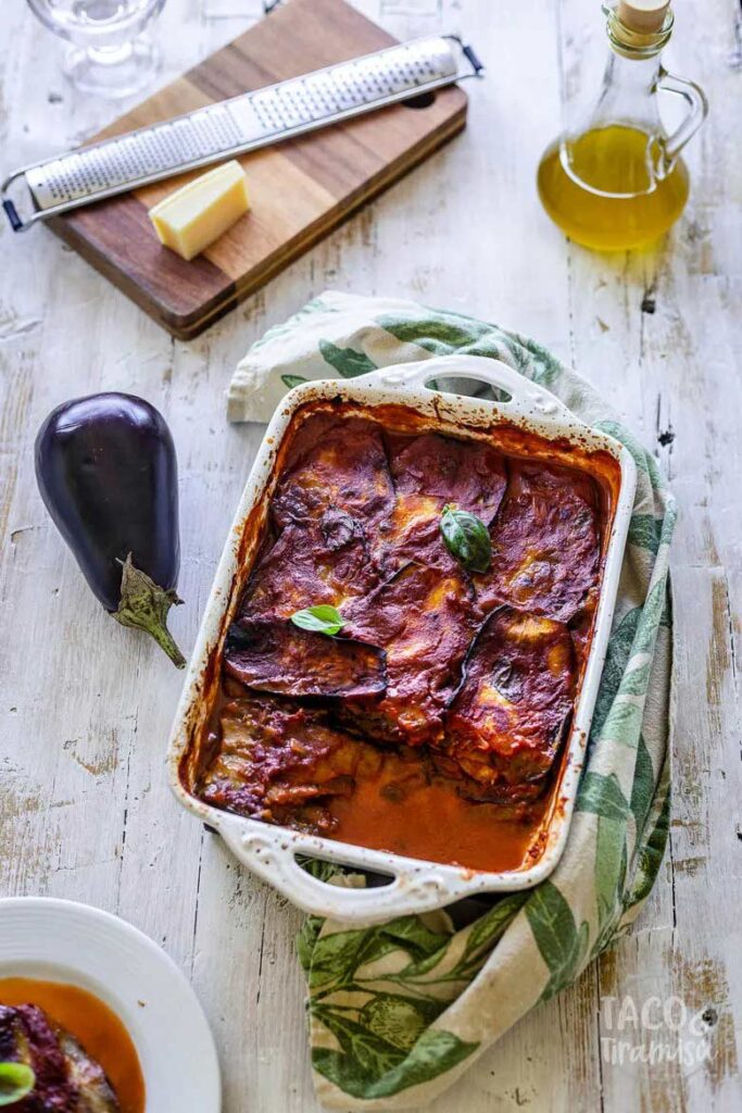 40 Delightful Vegetarian Eggplant Recipes (Vegetarian Aubergine Recipes) - Simple Eggplant Parmigiana | Hurry The Food Up