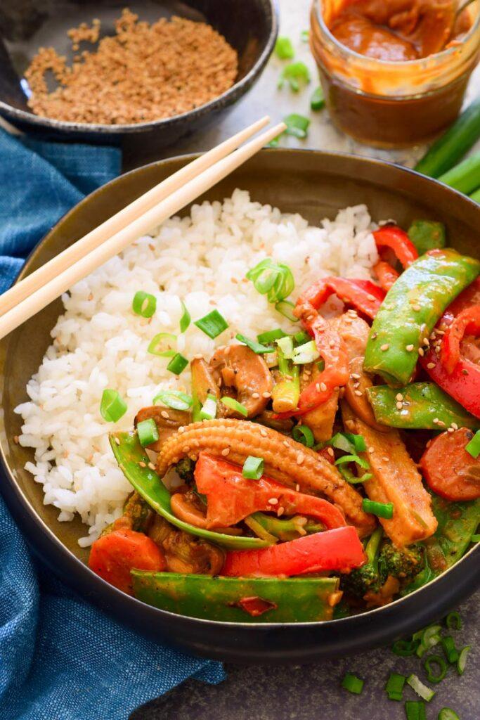 20 Vegan Stir Fry Recipes - Stir Fry Vegetables with Peanut Hoisin Sauce | Hurry The Food Up