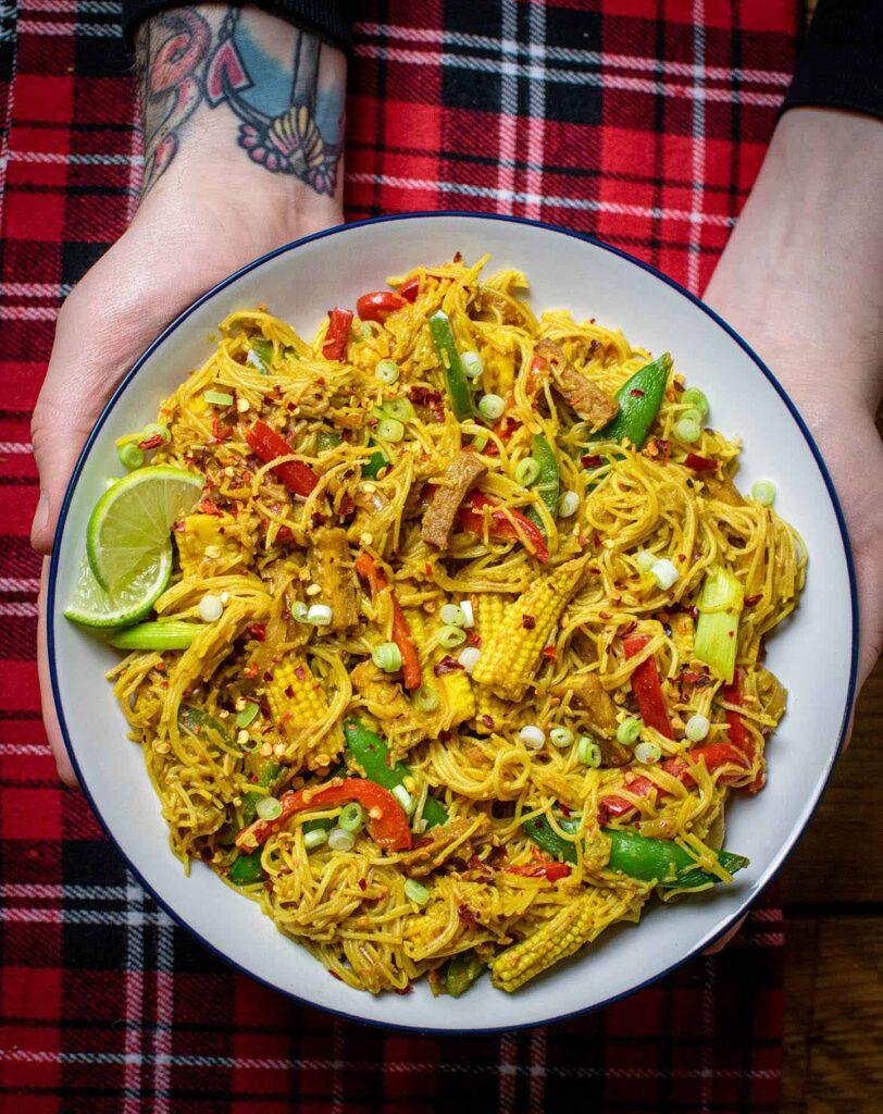 20 Vegan Stir Fry Recipes - Vegan Singapore Noodles | Hurry The Food Up