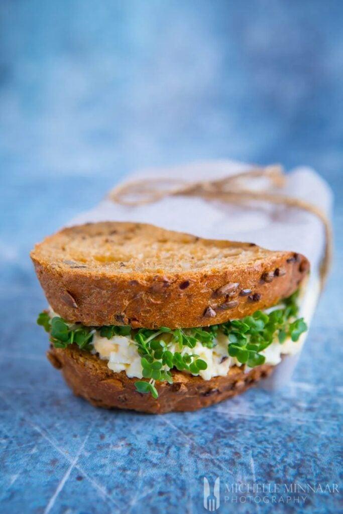 30 Best Veggie (Vegetarian) Sandwich Recipes - Egg and Cress Sandwich | Hurry The Food Up