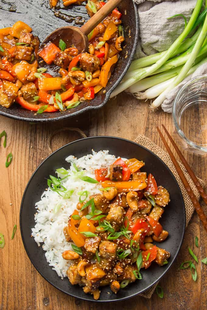 20 Vegan Stir Fry Recipes - Vegan Cashew Tempeh Stir Fry | Hurry The Food Up