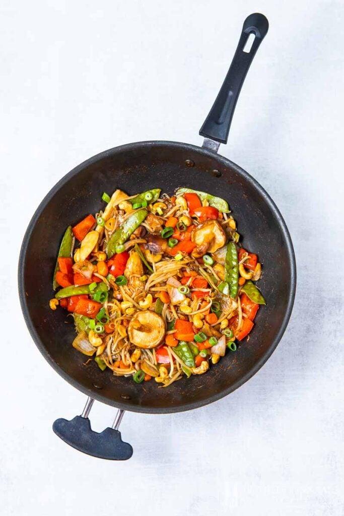 20 Vegan Stir Fry Recipes - Vegan Chop Suey | Hurry The Food Up