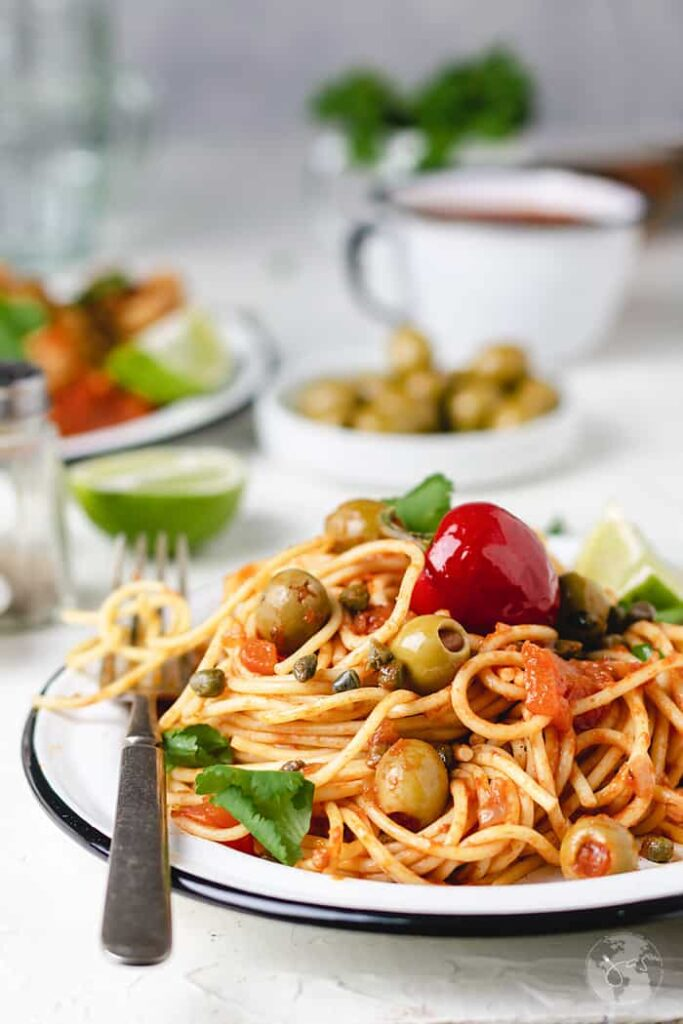 50 Vegan Mexican Recipes - Spaghetti with Veracruz Sauce | Hurry The Food Up