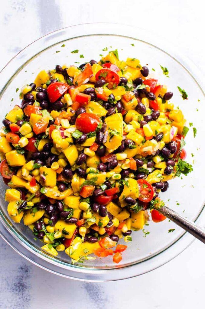 50 Vegan Mexican Recipes - Mango Black Bean Salad | Hurry The Food Up