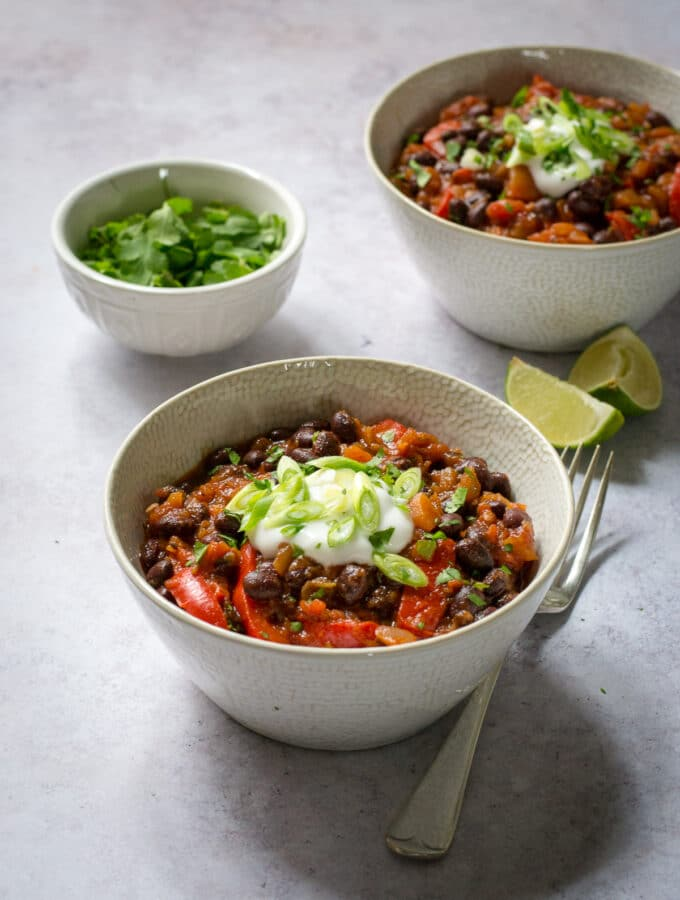 50 Vegan Mexican Recipes - Black Bean Chilli With Chipotle Paste | Hurry The Food Up