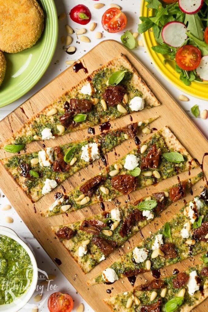 30 Best Veggie Pizza Recipes - Flatbread Pesto Pizza| Hurry The Food Up