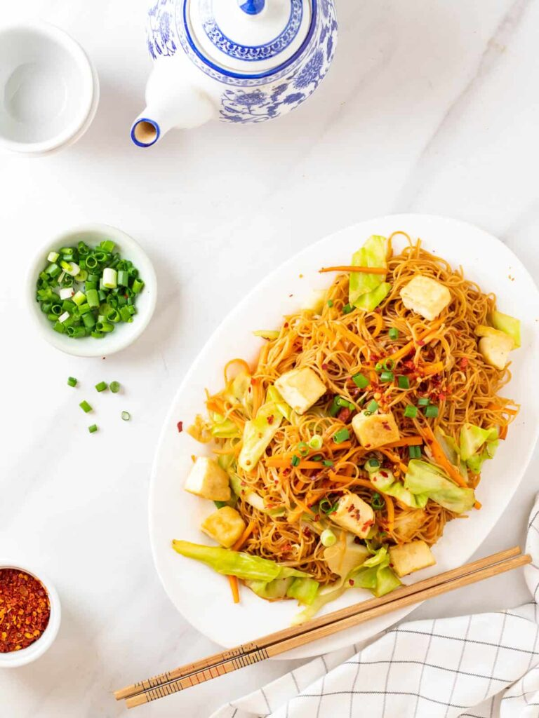 60 Vegan Asian Recipes - Stir-fried Vermicelli Noodles (Fried Bee Hoon) | Hurry The Food Up
