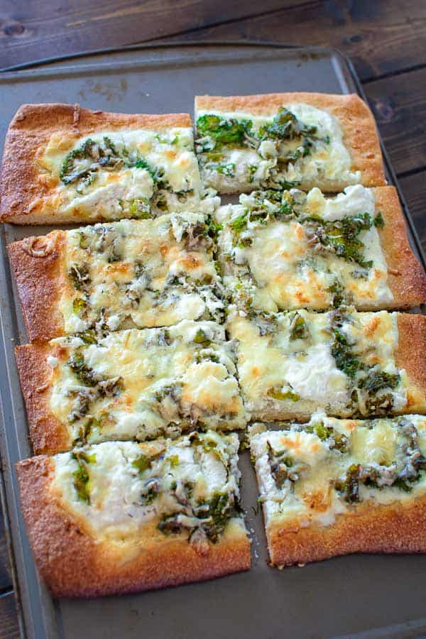 30 Best Veggie Pizza Recipes - Kale and Ricotta Pizza | Hurry The Food Up
