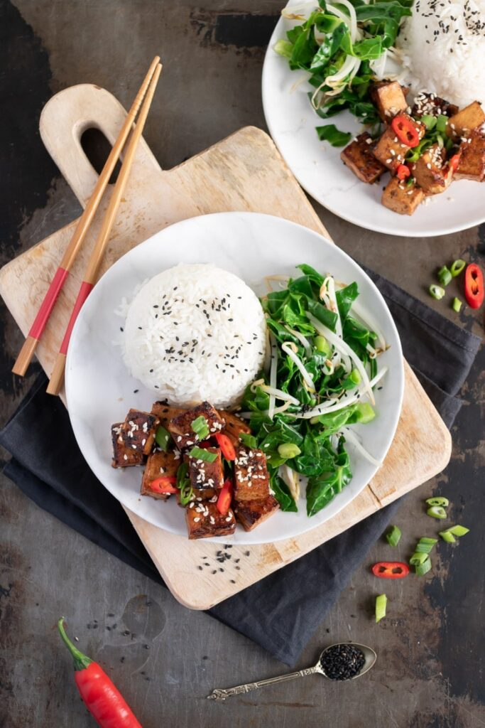 60 Vegan Asian Recipes - Asian Tofu with with Spicy Garlic Sauce | Hurry The Food Up