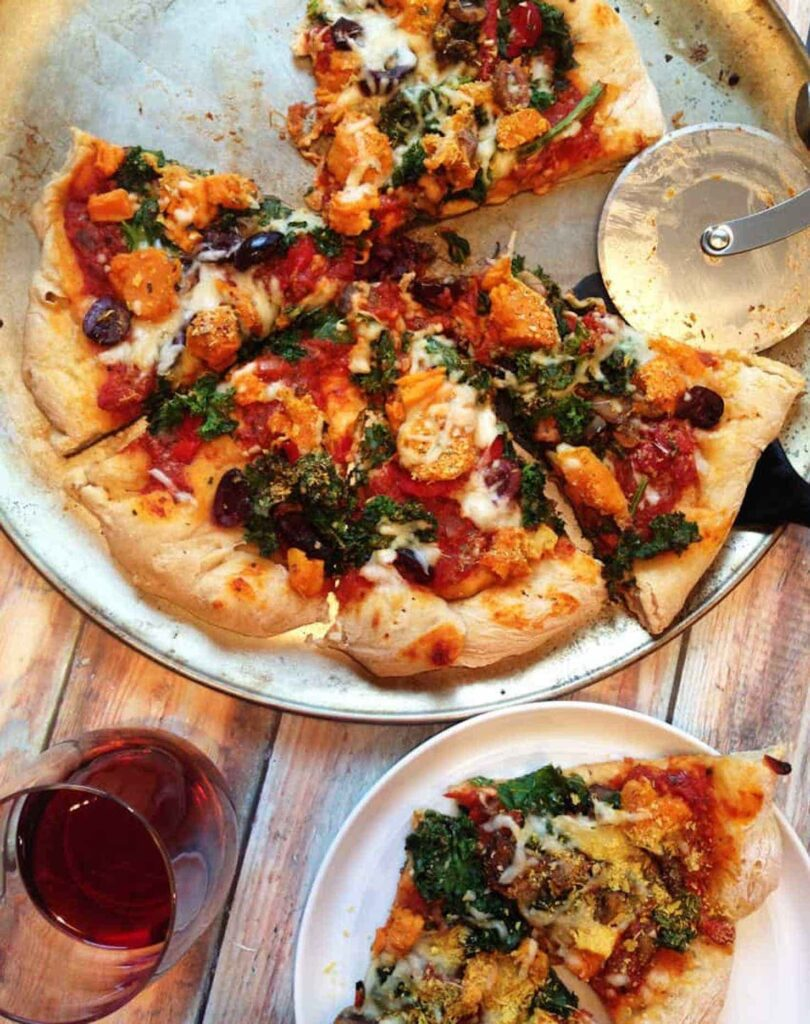 30 Best Veggie Pizza Recipes - Sweet Potato Kale Pizza| Hurry The Food Up