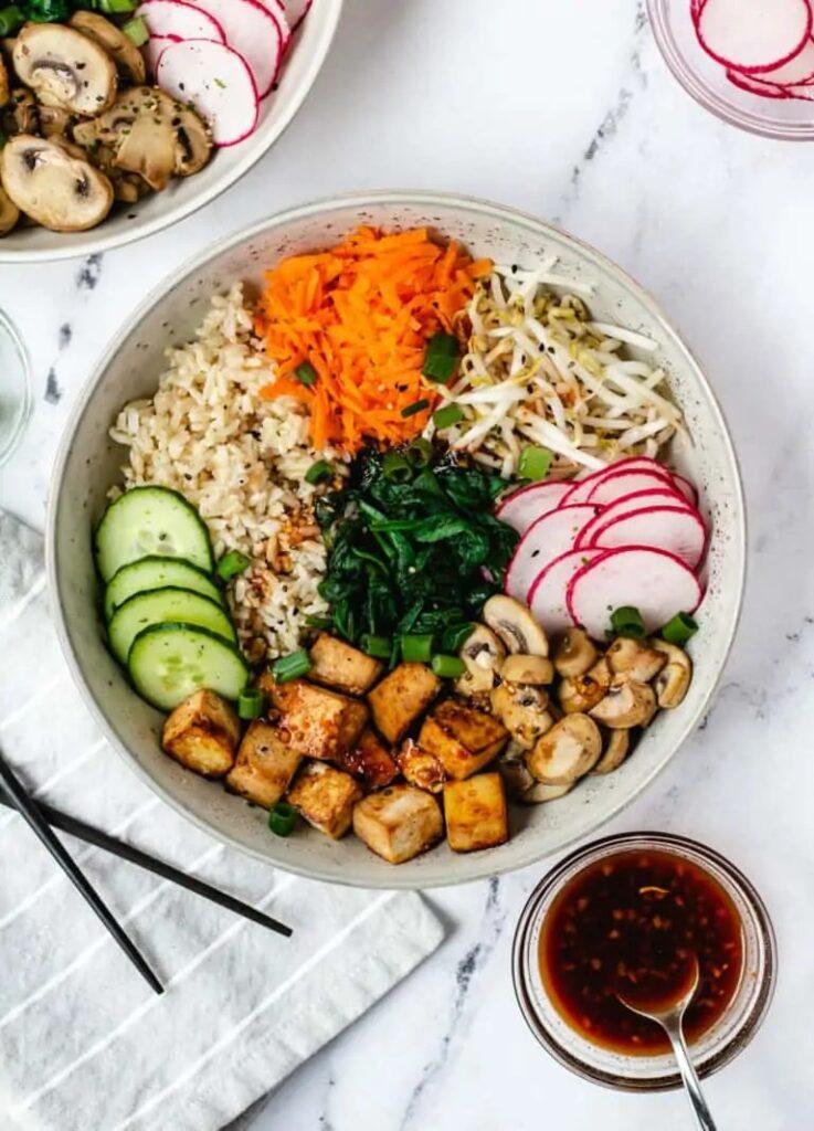 60 Vegan Asian Recipes - Vegan Bibimbap with Fried Tofu | Hurry The Food Up