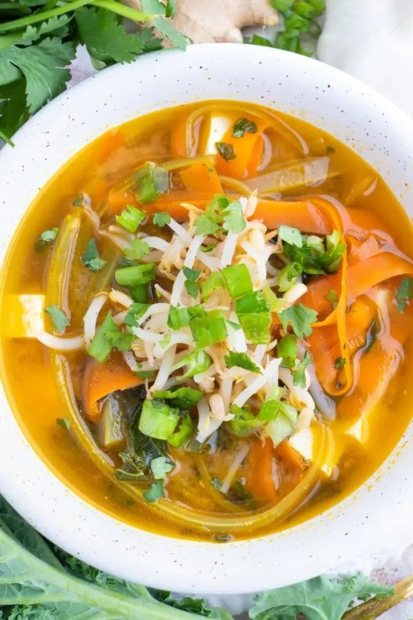 60 Vegan Asian Recipes - Vegan Miso Soup | Hurry The Food Up