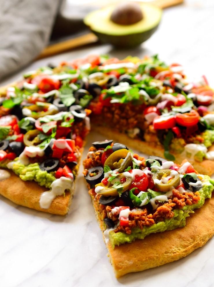 30 Ingenious Vegan Pizza Recipes - Vegan Nacho Pizza | Hurry The Food Up